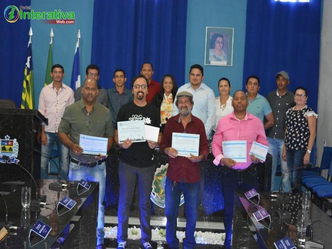 Câmara de Vereadores de Betânia do Piauí realizou nessa quinta-feira (12) sessão solene para entrega de títulos.