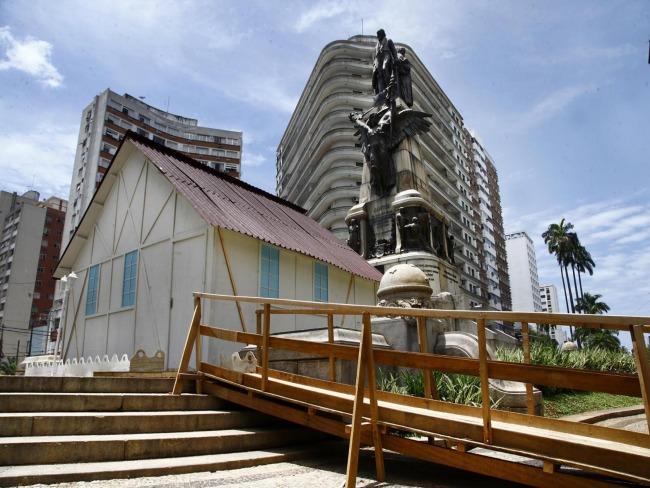 Praça em Santos abrigará casa do Papai Noel a partir do dia 7