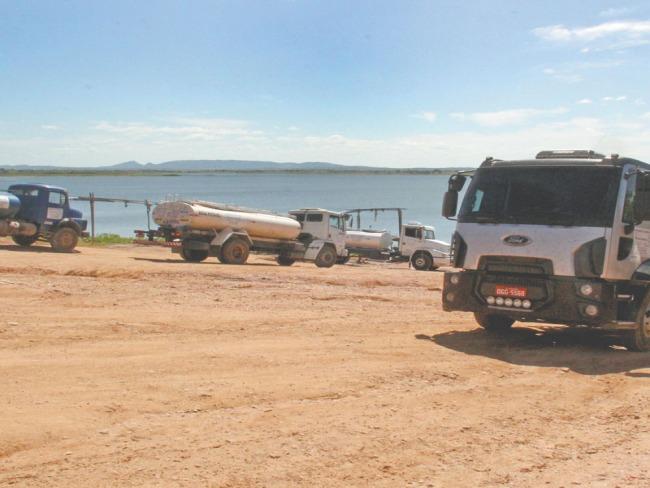 Retirada d'água do Açude Lima Campos está inviável