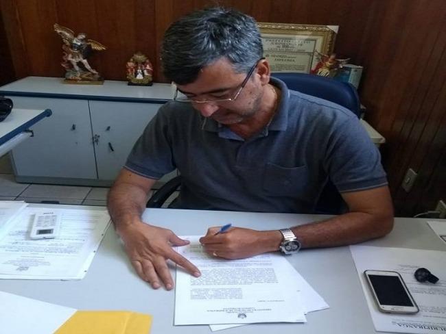 Prefeito Dr Paulo assina ordem de serviço para reforma na Escola José Grimaudo.
