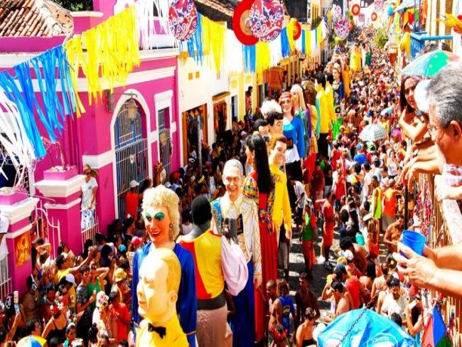 Veja como foi a abertura dos carnavais de Olinda e Salvador!