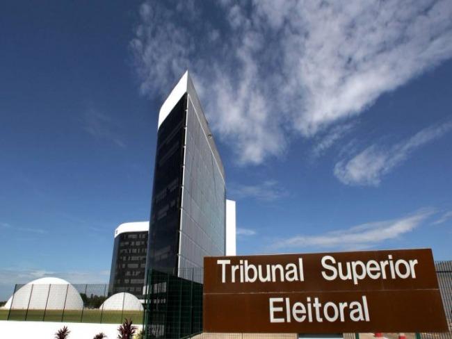 TSE define urna eletrônica e confirma 13 candidatos à Presidência