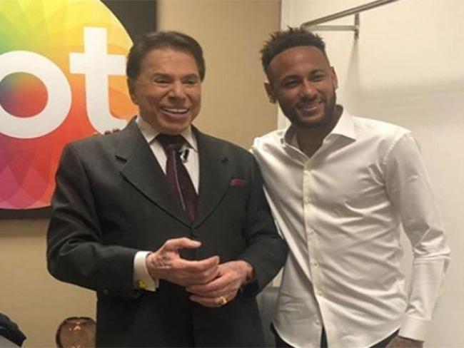 Silvio Santos recebe Neymar em gravação de seu programa no SBT