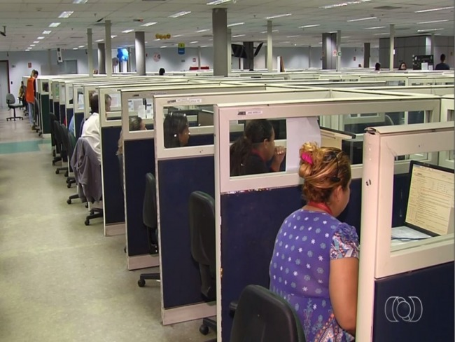Empresa tem 800 vagas para atendente de call center em Goiânia